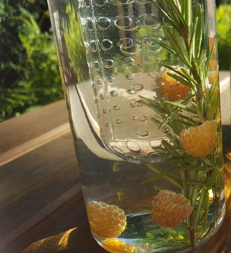 Kräuter-Wasser